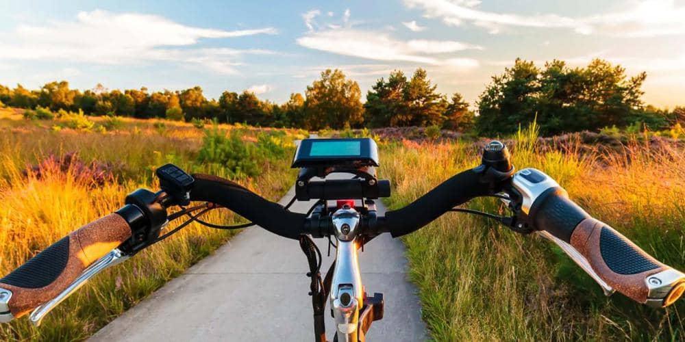 Hoeveel km gaat een batterij van een elektrische fiets mee?